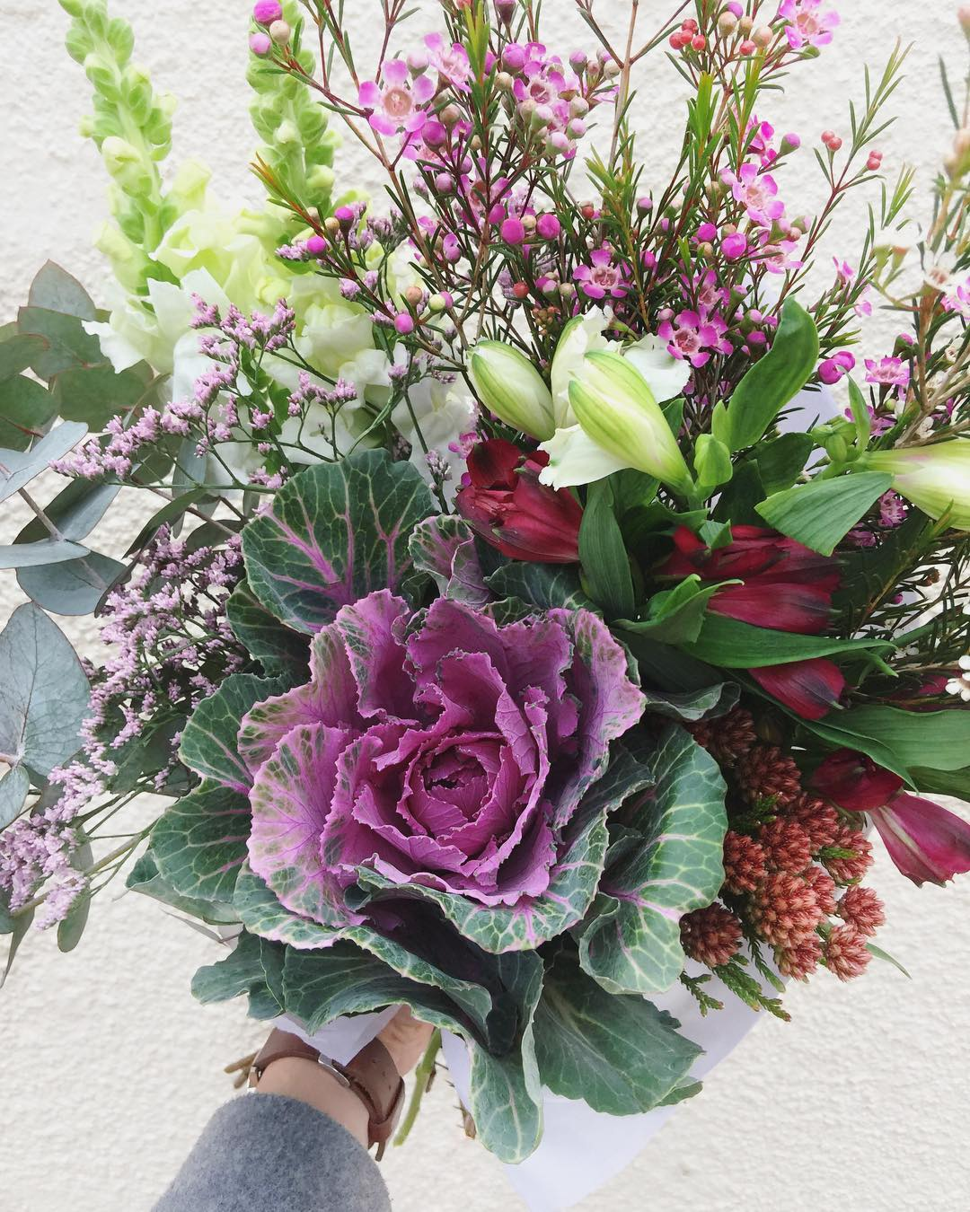 Today's lush Posy is gorgeous kale, with snaps, wax, fynbos, alstroemerias, penny gum and limo. Order before 12:30 or sold out for delivery this afternoon at www.petalandpost.co.za