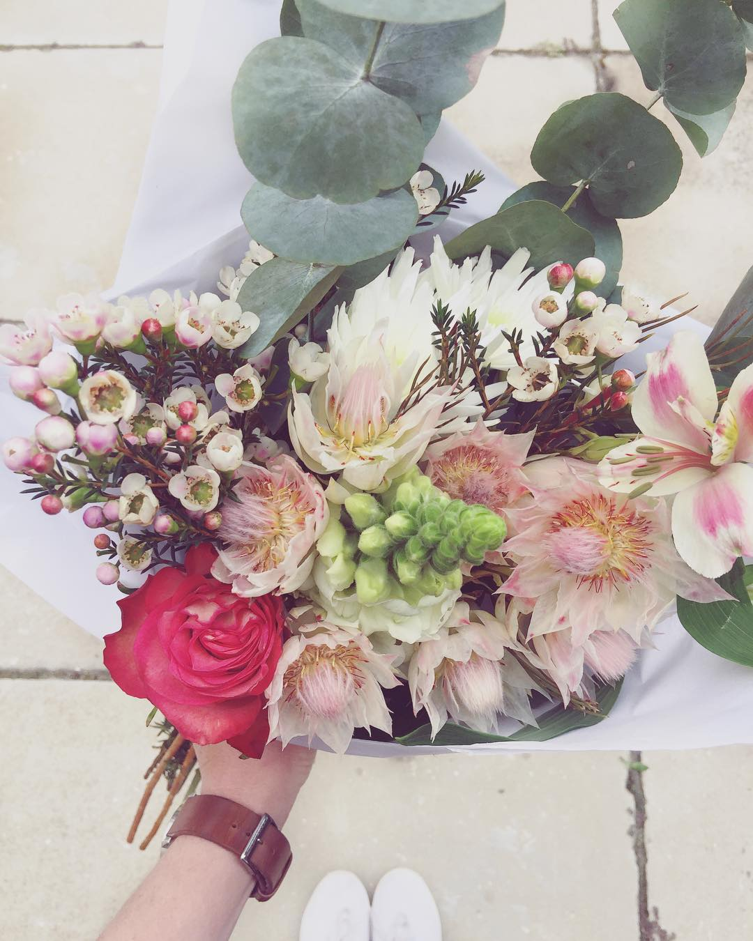 Soft pinks and loads of charm ? Today's Posy includes blushing brides, frilly roses, wax, sprays, snapdragons and penny gum. Order online at www.petalandpost.co.za