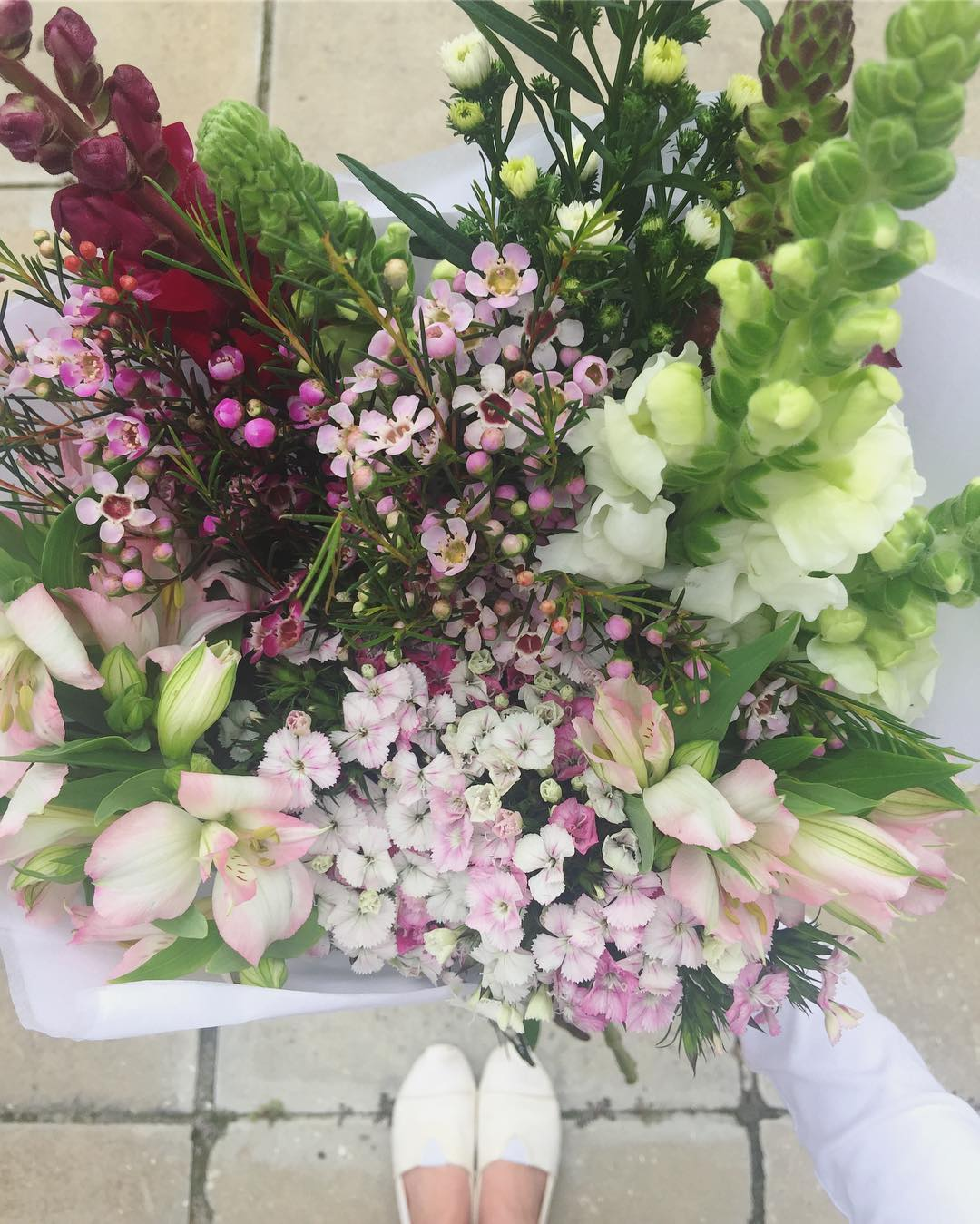 All the sweet pinks ?Today's Posy is soft sweet William, with puffy pink alstroemerias, snapdragons, and wax in lilac and white. Order online at www.petalandpost.co.za ?