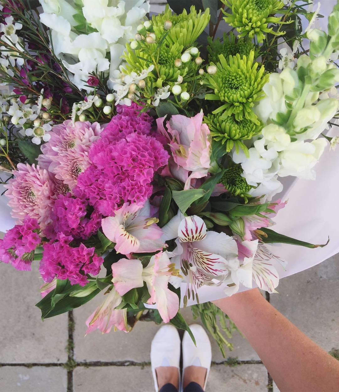 Today's Posy is layered with rich colours and textures ?The Posy includes alstroemerias in light pinks and soft whites, with wax, statice, green and dusty pink sprays, snapdragons and penny gum. Order before 12:30pm for delivery this afternoon, at www.petalandpost.co.za