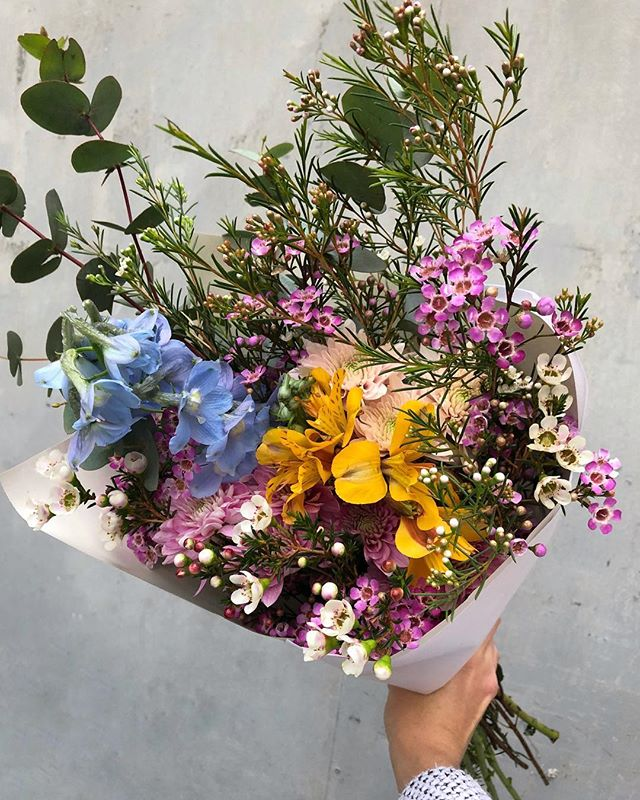 Today's Posy is delphiniums and alstroemeria with wax, sprays and penny gum. Order online before 12:30pm for delivery this afternoon. . . . . #Petalandpost#capetown#capetownflorist#florist#flowers#blooms#dailyblooms#posy#instadaily#flowerstagram#flowersofinstagram#southafrica#lovezabuyza#localzadesign#lovelocalza#hellopretty#capetownmag#cylcollective #capetownlikes#flowercrown#supportlocal#protea#flowercrown#crown#posylove#hair#wedding#photoshoot#local#botanical#theprettyblog