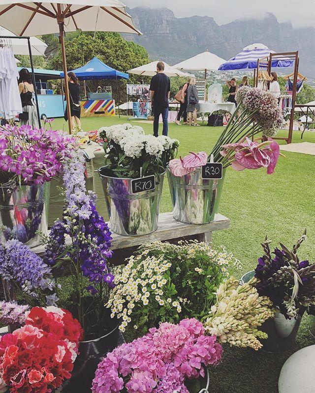 The Round House Xmas Market 💌 #Petalandpost#capetown#capetownflorist#lovezabuyza#localzadesign#lovelocalza#hellopretty#capetownmag#cylcollective #capetownlikes#supportlocal#posylove#wedding#local#botanical#theprettyblog#gardenday#capetowninfo#handmadeincapetown#madeinsouthafrica#lokalza#durbanville#proudlysouthafrican