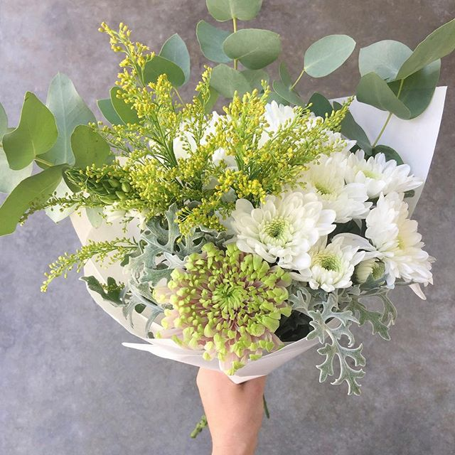 Today's Durbanville and Cape Town Posy is Snowdens with dusty miller, sprays, goldenrod, chincherinchee and penny gum. Order online before 11:30 for Durbanville and before 12:30 for Cape Town for delivery this afternoon. . . . . #Petalandpost#capetown#capetownflorist#lovezabuyza#localzadesign#lovelocalza#hellopretty#capetownmag#cylcollective #capetownlikes#supportlocal#posylove#wedding#local#botanical#theprettyblog#gardenday#capetowninfo#handmadeincapetown#madeinsouthafrica#lokalza#durbanville#proudlysouthafrican