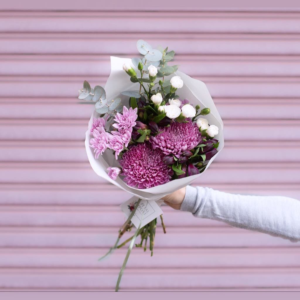 Wednesday's beautiful Posy is lilac snowdons with spray carnations in mauve and white, with pink chrysanthemums, purple alstroemeria and penny gum. . . #Petalandpost#capetown#capetownflorist#lovezabuyza#localzadesign#lovelocalza#hellopretty#capetownmag#cylcollective #capetownlikes#supportlocal#posylove#wedding#local#botanical#theprettyblog#gardenday#capetowninfo#handmadeincapetown#madeinsouthafrica#lokalza#durbanville#proudlysouthafrican