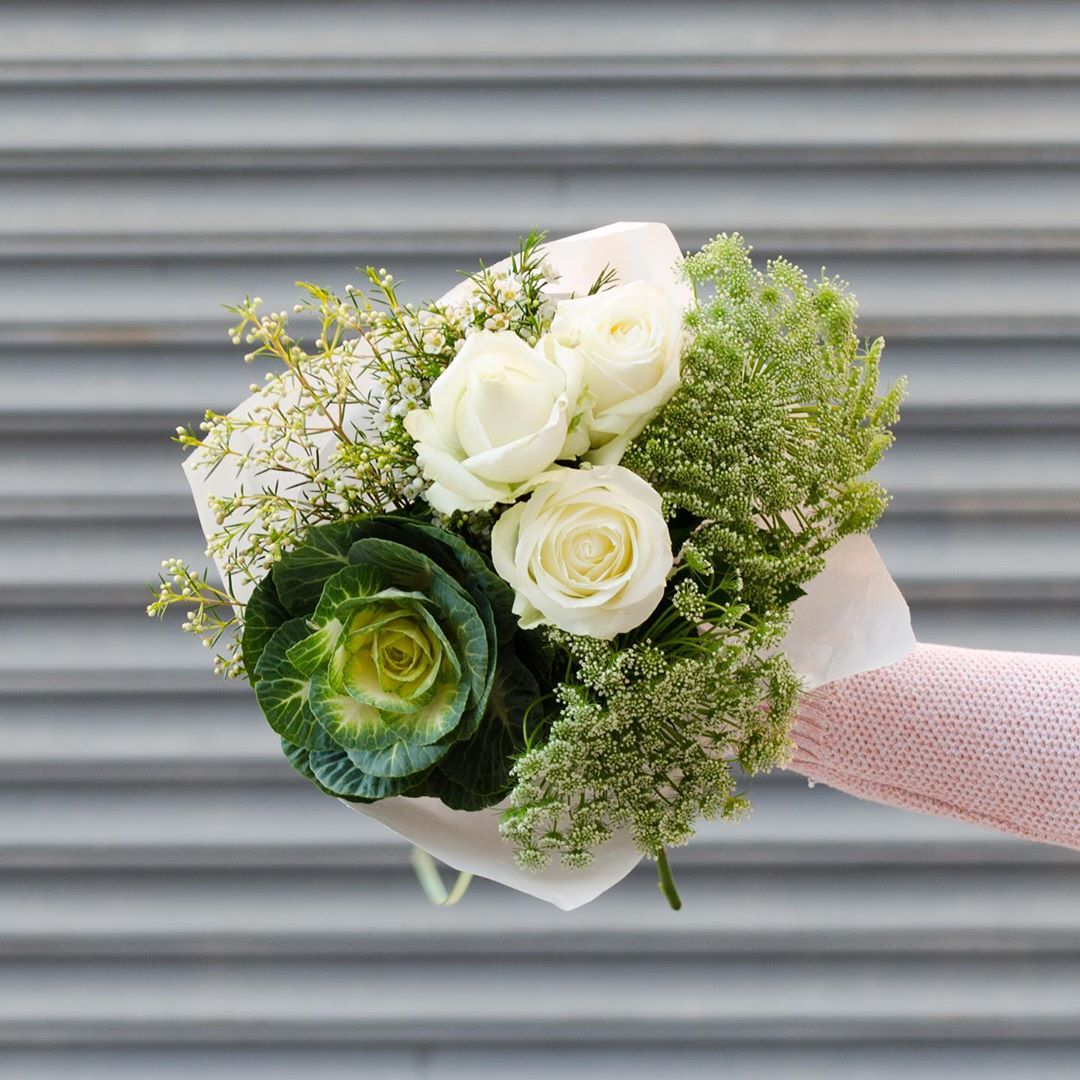 Today's Posy is lush white roses with kale, lace and white wax. Order online before 1pm for delivery today . . . #Petalandpost#capetown#capetownflorist#lovezabuyza#localzadesign#lovelocalza#hellopretty#capetownmag#cylcollective #capetownlikes#supportlocal#posylove#wedding#theprettyblog#capetowninfo#handmadeincapetown#madeinsouthafrica#lokalza#durbanville#proudlysouthafrican#workingwomanwednesday#lovecapetown#secretcapetown#capetownetc#capetownliving#capetownmag#whatsonincapetown