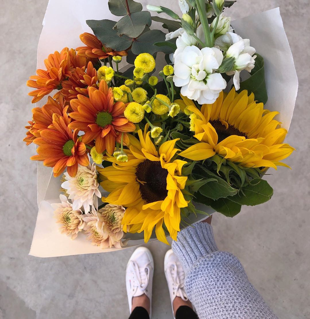 Friday's Posy is mini sunflowers with camomile buds (swoon!), stocks, burnt orange chrysanthemums and eucalyptus. Order online before 1pm for delivery today . . . . #Petalandpost#capetown#capetownflorist#lovezabuyza#localzadesign#lovelocalza#hellopretty#capetownmag#cylcollective #capetownlikes#supportlocal#posylove#wedding#local#botanical#theprettyblog#gardenday#capetowninfo#handmadeincapetown#madeinsouthafrica#lokalza#durbanville#proudlysouthafrican